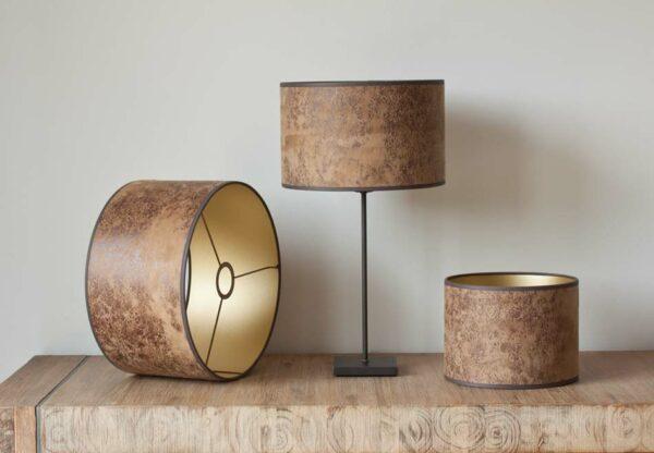 Licht koe leder cilinder lampenkap met een gouden backing